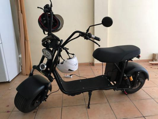 Scooter eléctrica ideal para pasear, transportarse